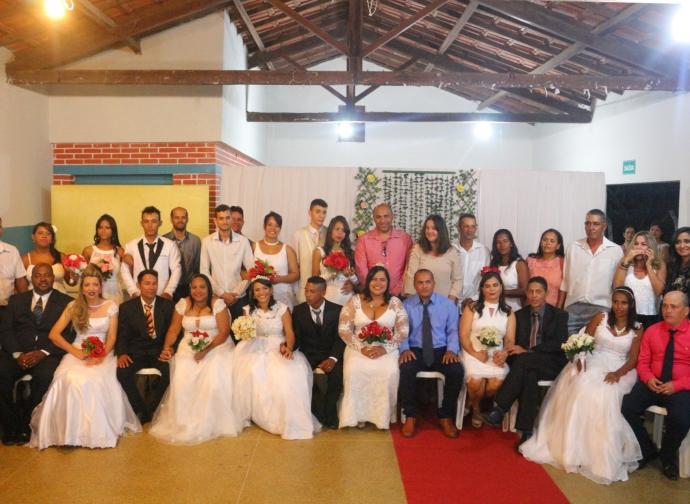 Prefeitura realiza segundo casamento comunitário com 26 casais