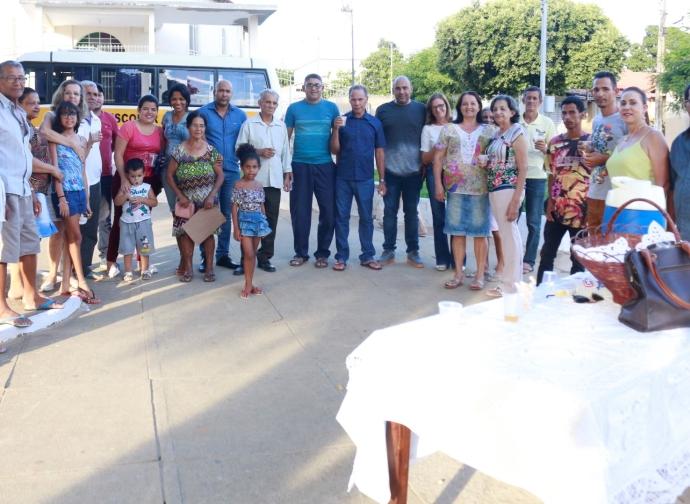 Prefeito Ademir Gobira faz entrega de revitalização da praça do bairro São Pedro