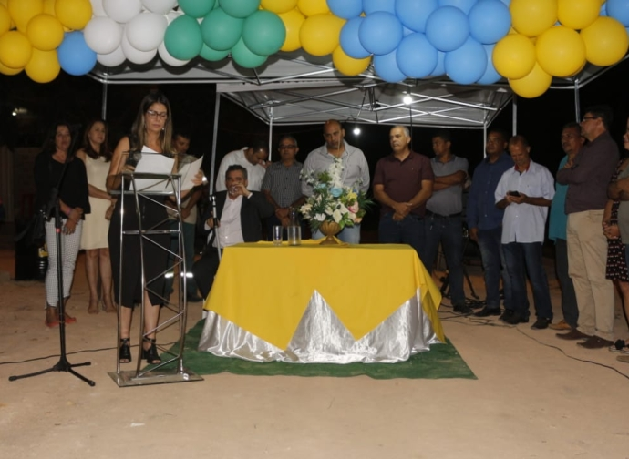 Prefeitura inaugura as obras de extensão de rede elétrica e iluminação no Bairro Adelita Torres