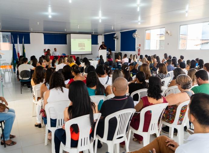 Secretaria Municipal de Educação promove o Currículo Referência de Minas Gerais
