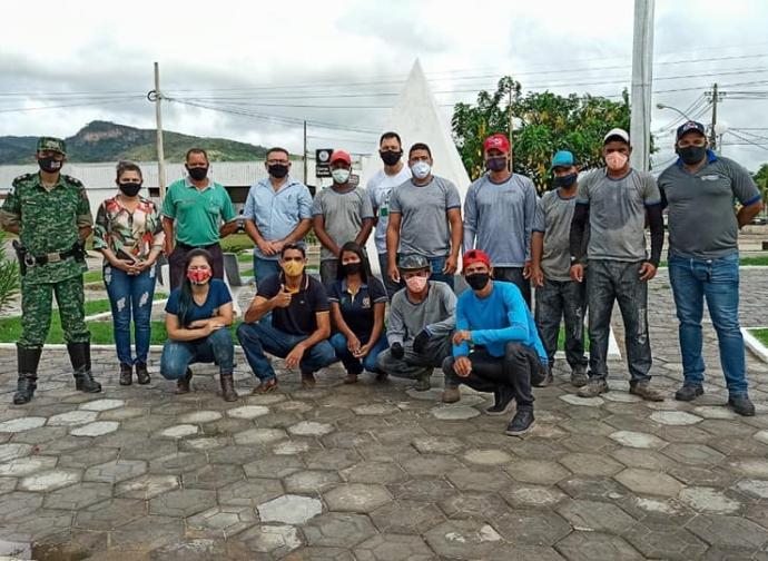 Prefeitura de Almenara inicia plantio de árvores na cidade